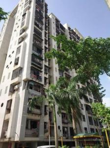 Gallery Cover Image of 1000 Sq.ft 3 BHK Apartment for buy in Mulund West for 18300000
