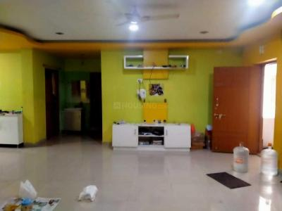 Gallery Cover Image of 1600 Sq.ft 3 BHK Apartment for rent in Manikonda for 23000