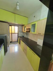 Gallery Cover Image of 1200 Sq.ft 2 BHK Apartment for rent in Mira Road East for 25000