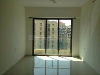 Gallery Cover Image of 420 Sq.ft 1 BHK Apartment for rent in Kandivali East for 19000