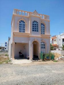 Gallery Cover Image of 1100 Sq.ft 2 BHK Villa for buy in Thiruporur for 4575000