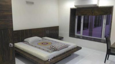 Gallery Cover Image of 1150 Sq.ft 1 BHK Apartment for rent in Juhu for 185000