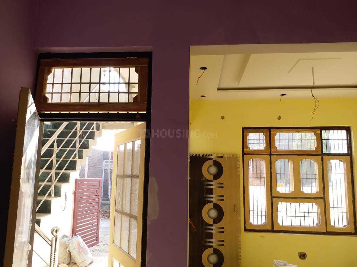 Living Room Image of 800 Sq.ft 2 BHK Independent House for buy in Gomti Nagar for 3200000