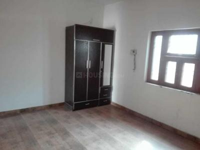 Gallery Cover Image of 620 Sq.ft 2 BHK Independent House for rent in Alpha II Greater Noida for 9000