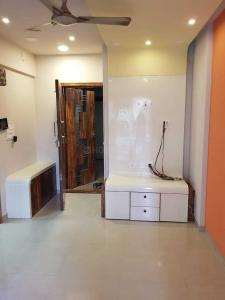 Gallery Cover Image of 500 Sq.ft 1 BHK Apartment for rent in Dadar West for 54000