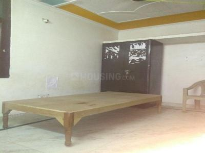 Gallery Cover Image of 200 Sq.ft 1 RK Independent Floor for rent in Mayur Vihar Phase 1 for 6000