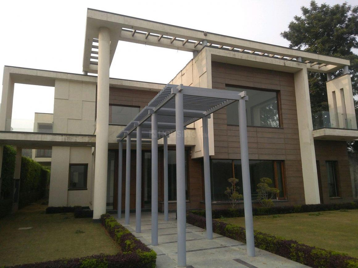 Main Entrance Image of 9800 Sq.ft 5 RK Independent House for buy in Fatehpur Beri for 100000000