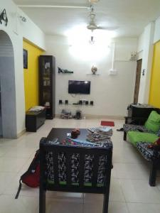 Gallery Cover Image of 678 Sq.ft 1 BHK Apartment for buy in Santacruz East for 12500000