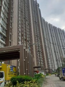 Gallery Cover Image of 1250 Sq.ft 2 BHK Apartment for rent in Runwal Forests Tower 9 To 11, Kanjurmarg West for 40000