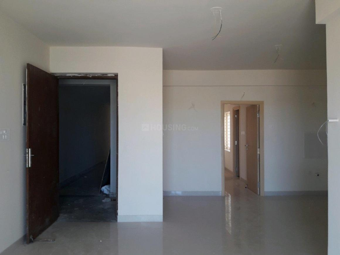 Living Room Image of 1250 Sq.ft 3 BHK Apartment for buy in Thoraipakkam for 7008252