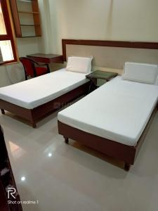 Bedroom Image of Prince PG in Karol Bagh