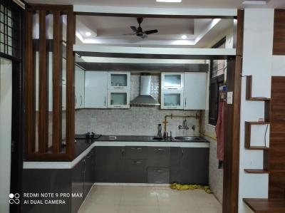 Gallery Cover Image of 1350 Sq.ft 3 BHK Independent Floor for buy in Shakti Khand for 5800000