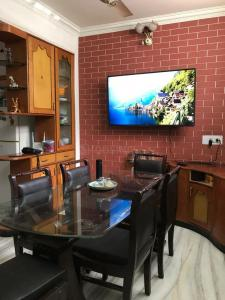 Gallery Cover Image of 713 Sq.ft 5 BHK Independent House for buy in Rakabganj for 9000000