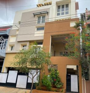 Gallery Cover Image of 2300 Sq.ft 4 BHK Villa for rent in MS Ramaiah City, J P Nagar 8th Phase for 40000