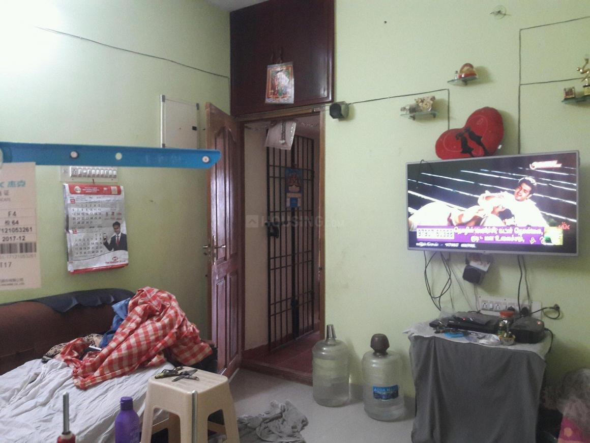 Living Room Image of 400 Sq.ft 1 BHK Apartment for rent in Madanankppam for 5000