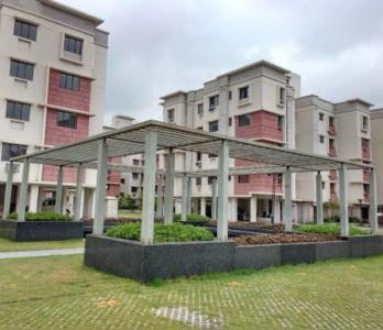 Gallery Cover Image of 975 Sq.ft 3 BHK Apartment for rent in Siddha Town, Rajarhat for 10000