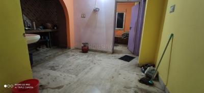Gallery Cover Image of 800 Sq.ft 2 BHK Apartment for rent in Santi Apartment, South Dum Dum for 7500