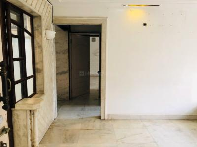 Gallery Cover Image of 850 Sq.ft 2 BHK Apartment for rent in Bandra West for 60000
