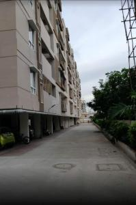 Gallery Cover Image of 1450 Sq.ft 3 BHK Apartment for rent in Nanakram Guda for 28000