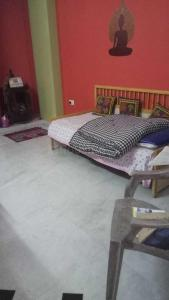 Gallery Cover Image of 800 Sq.ft 2 BHK Independent Floor for rent in Nyay Khand for 13000