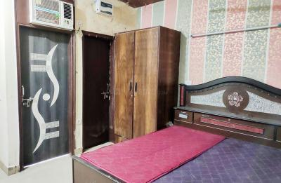 Gallery Cover Image of 300 Sq.ft 1 BHK Independent House for rent in DLF Phase 3 for 9000