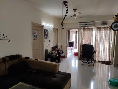Gallery Cover Image of 1370 Sq.ft 3 BHK Apartment for rent in Maxblis White House II, Sector 75 for 19500