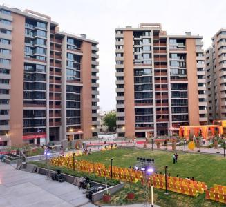 Gallery Cover Image of 2403 Sq.ft 3 BHK Apartment for buy in Thaltej for 15138900