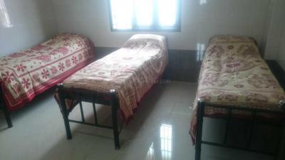 Bedroom Image of Sri Sai Deluxe Boys Hostel in Navalur