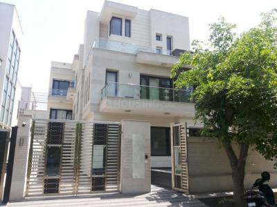 Gallery Cover Image of 3000 Sq.ft 4 BHK Independent Floor for rent in Sector 34 for 40000