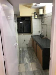 Gallery Cover Image of 550 Sq.ft 1 BHK Apartment for rent in Powai for 32000