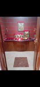 Gallery Cover Image of 4500 Sq.ft 3 BHK Independent House for buy in Huyilalu for 18200000