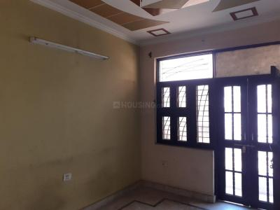 Gallery Cover Image of 450 Sq.ft 1 BHK Independent Floor for rent in Burari for 6000