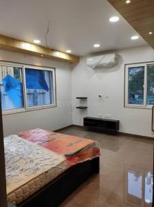 Gallery Cover Image of 1702 Sq.ft 3 BHK Apartment for buy in Banjara Hills for 21275000