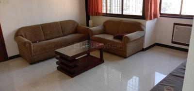 Gallery Cover Image of 620 Sq.ft 1 BHK Apartment for rent in Prabhadevi for 70000