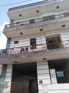 Gallery Cover Image of 1500 Sq.ft 1 BHK Independent Floor for rent in Sainik Nagar for 4000