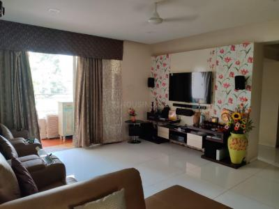 Gallery Cover Image of 1790 Sq.ft 3 BHK Apartment for rent in Darode Blossom Bouleward, Koregaon Park for 65000