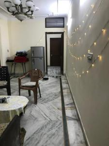Gallery Cover Image of 1250 Sq.ft 3 BHK Independent Floor for buy in Sant Nagar for 7800000