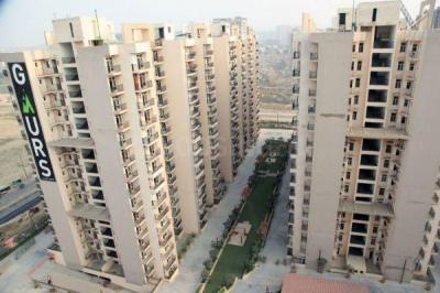 Gallery Cover Image of 845 Sq.ft 2 BHK Apartment for buy in Gaursons 10th Avenue, Noida Extension for 3400000