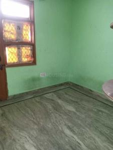 Gallery Cover Image of 445 Sq.ft 1 BHK Independent Floor for rent in Rangpuri for 10000