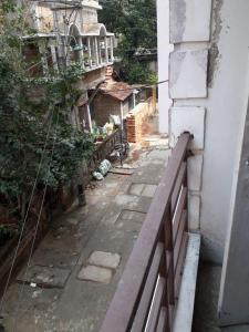 Gallery Cover Image of 700 Sq.ft 2 BHK Apartment for rent in South Dum Dum for 7000