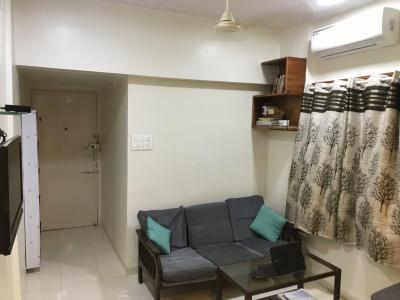 Gallery Cover Image of 625 Sq.ft 1 BHK Apartment for rent in Khar West for 65000