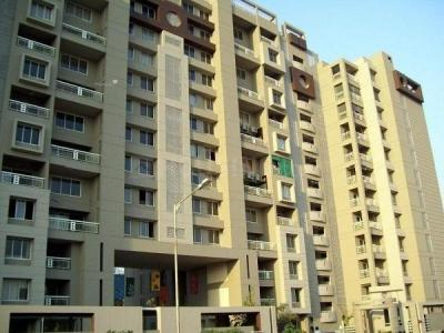 Gallery Cover Image of 1800 Sq.ft 3 BHK Apartment for buy in Thaltej for 20000000