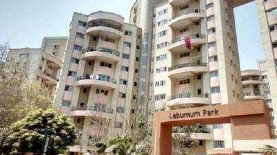 Gallery Cover Image of 1750 Sq.ft 4 BHK Apartment for rent in Magarpatta Laburnum Park, Magarpatta City for 38000