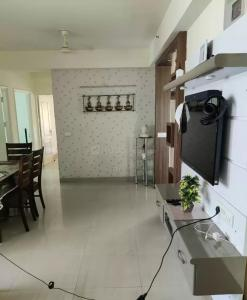 Gallery Cover Image of 1320 Sq.ft 3 BHK Apartment for buy in Nimbus Hyde Park, Sector 78 for 6800000