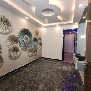 Gallery Cover Image of 600 Sq.ft 2 BHK Independent Floor for buy in Dwarka Mor for 2799999