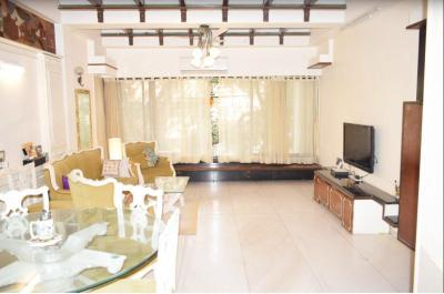 Gallery Cover Image of 1080 Sq.ft 2 BHK Apartment for buy in Juhu for 39000000