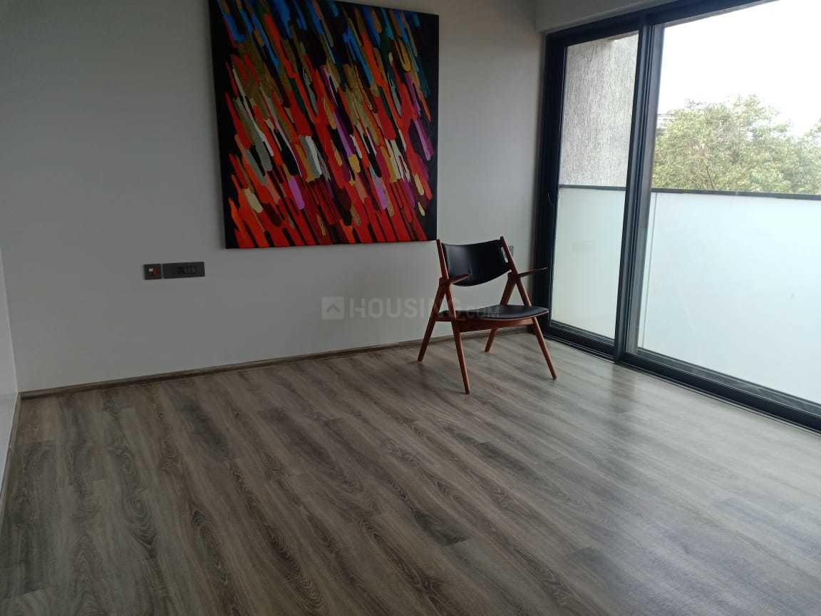 Bedroom Image of 890 Sq.ft 3 BHK Apartment for rent in Santacruz West for 125000