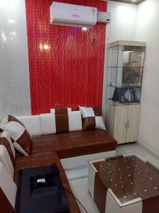 Gallery Cover Image of 1663 Sq.ft 3 BHK Apartment for rent in Sector 75 for 15000