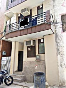 Gallery Cover Image of 640 Sq.ft 1 RK Independent House for buy in Sector 49 for 16500000