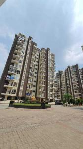Gallery Cover Image of 1761 Sq.ft 3 BHK Apartment for buy in Oxirich Oxirich Avenue, Ahinsa Khand for 7850000